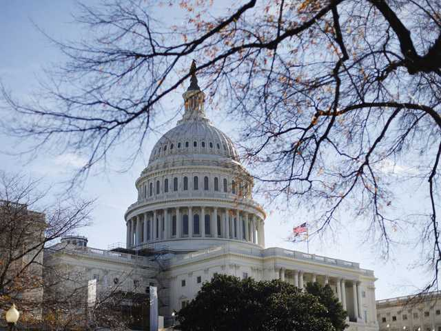Congress returns for short pre-election session