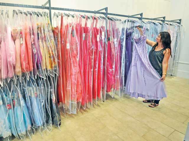 Retro-inspired fashion retailer opens in SCV