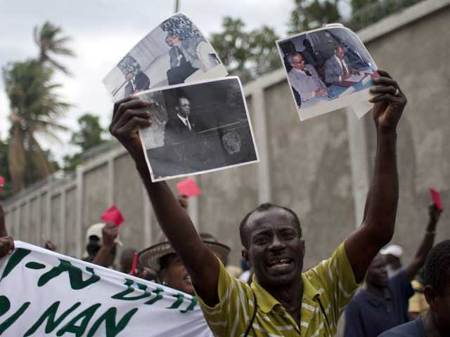 Several thousand people protest Haiti gov't