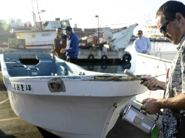 Hawaii fishermen find skiff from Japan tsunami