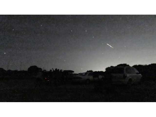 Stunning meteor lights up California sky