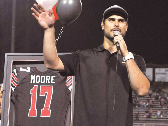 Hart High School retires Matt Moore's jersey