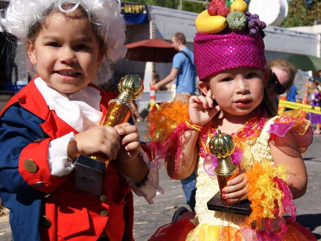 Sheriff's Station hosts Halloween event for community