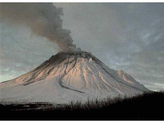 Wind kicks up 100-year-old volcanic ash in Alaska