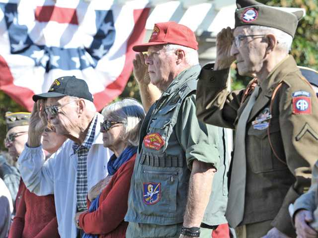 Hundreds gather for Santa Clarita's Veterans Day celebration