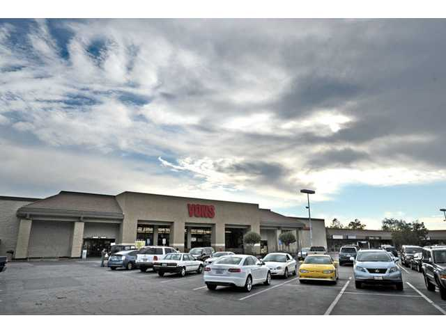 Canyon Country Vons expanding