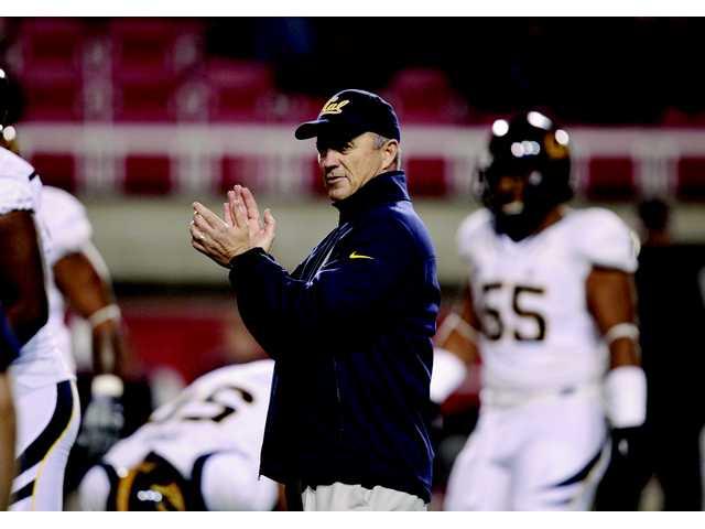 Cal fires football coach Tedford