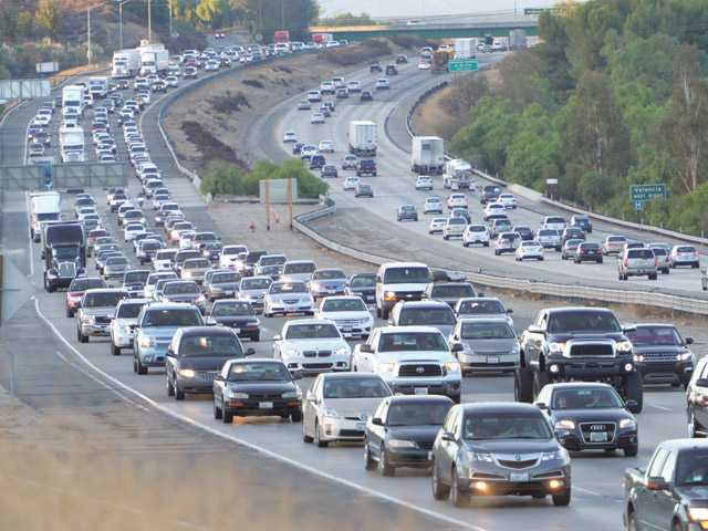 Traffic all over SCV, SoCal slows down before holiday