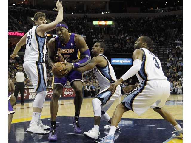 NBA: Grizzlies' NBA's best again, beat Lakers 106-98