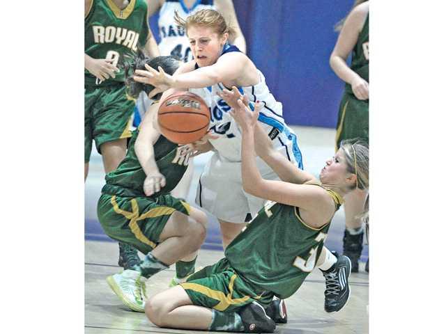 Prep basketball: Adapting early