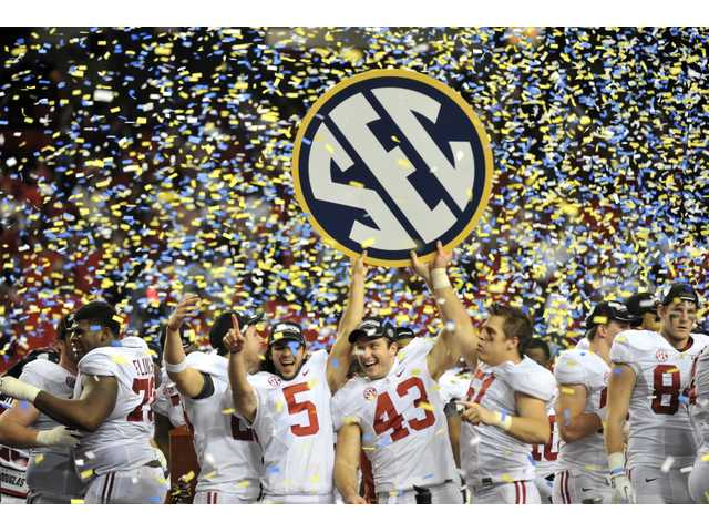 College football: Alabama holds off Georgia 32-28, advances to BCS title game
