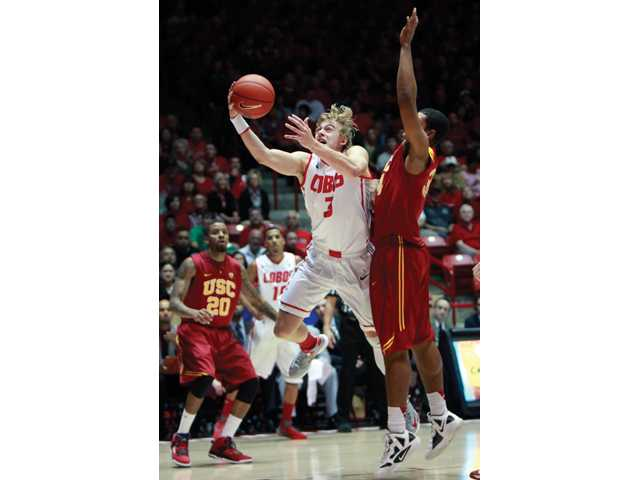 College basketball: No. 18 New Mexico rallies for 75-67 win over USC