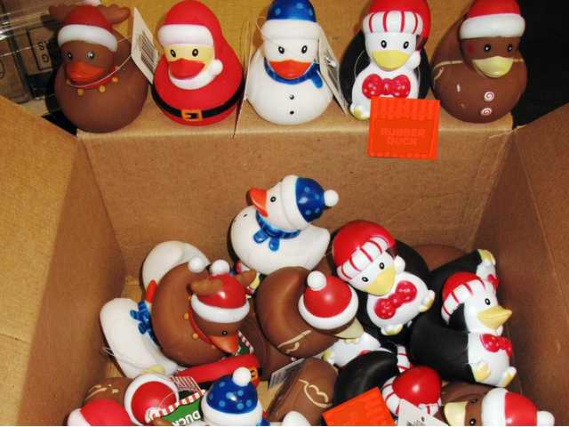 Customs seizes rubber ducks for chemical safety