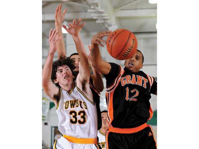 Prep basketball: Canyon holds its end