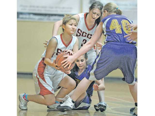 Prep girls hoops: New SCCS struggles