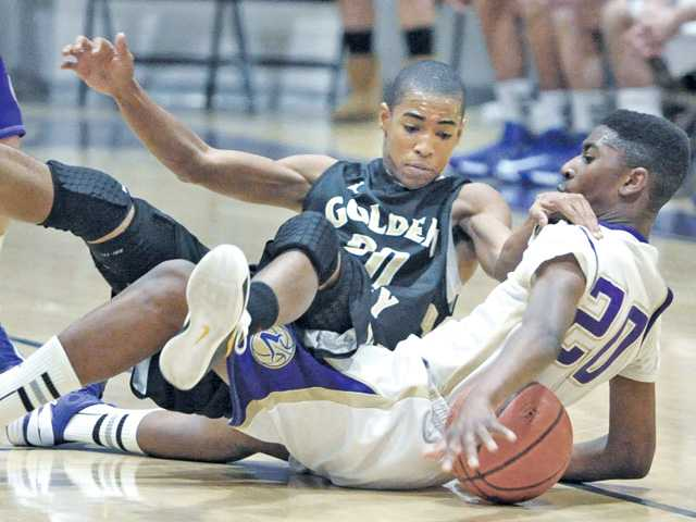 Prep boys hoops: Valencia pushes back against Golden Valley