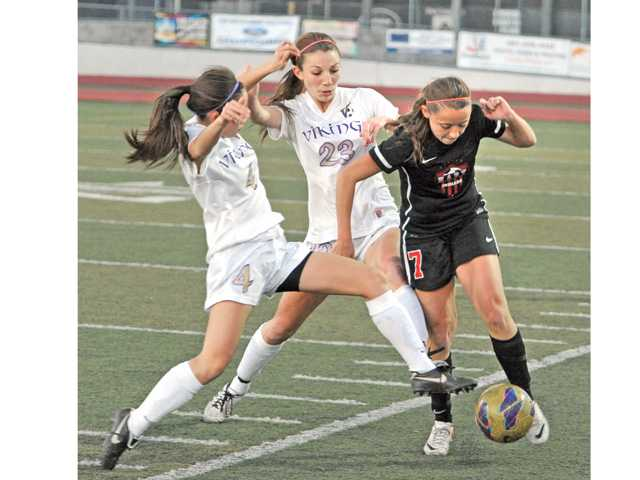 Prep girls soccer: Status quo 