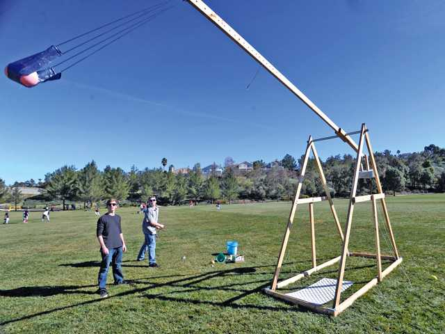 Valencia High students build trebuchet 'for the heck of it'