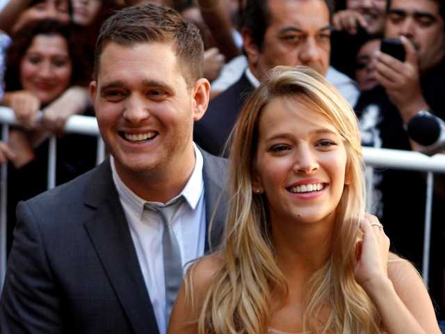Singer Michael Buble, wife expecting 1st child
