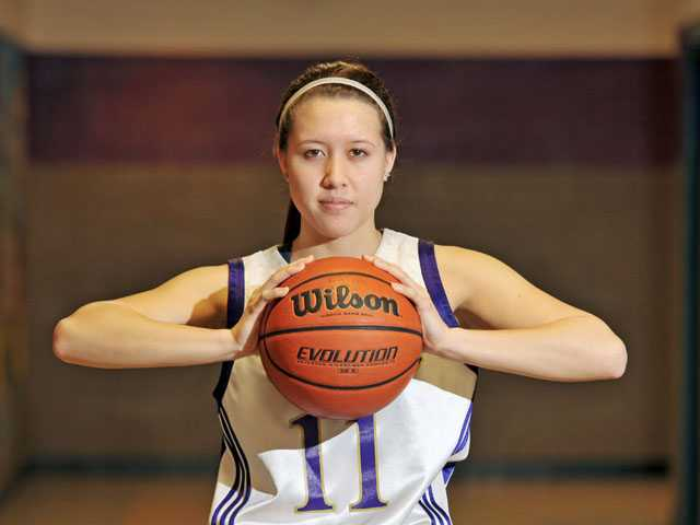 Valencia girls basketball's Kalia Summerlin: The calm