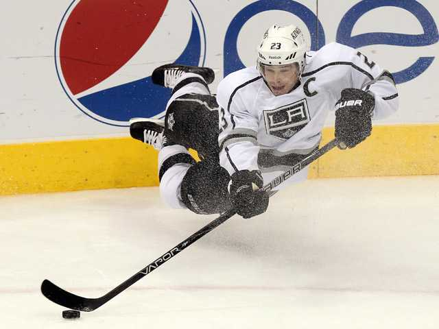 NHL: Kings pick up 1st win