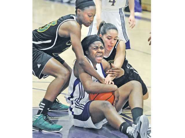 Prep girls hoops: Tables turned