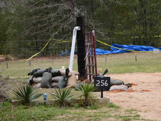 FBI: Ala. man was in 'firefight' with SWAT agents