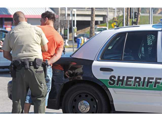UPDATE: Deputies seize stolen car, arrest one in Castaic