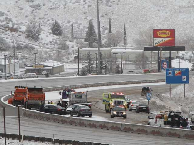 UPDATE: Snow closes Grapevine in both directions