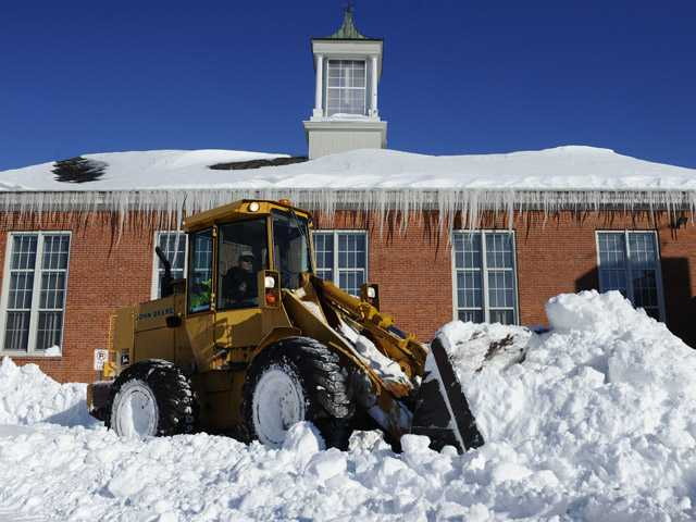 Northeast slowly recovering from blizzard