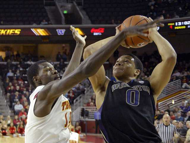 USC wins 3rd straight, beats Washington 71-60 