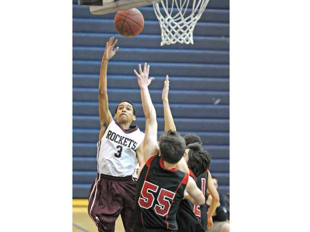 Prep boys hoops: Einstein loses its first-ever playoff game