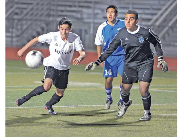 Prep boys soccer: Vikes make quick work