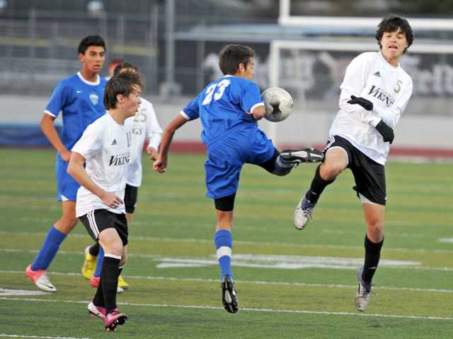 Prep boys soccer: Valencia's best season in team history ends at the hands of Temescal Canyon