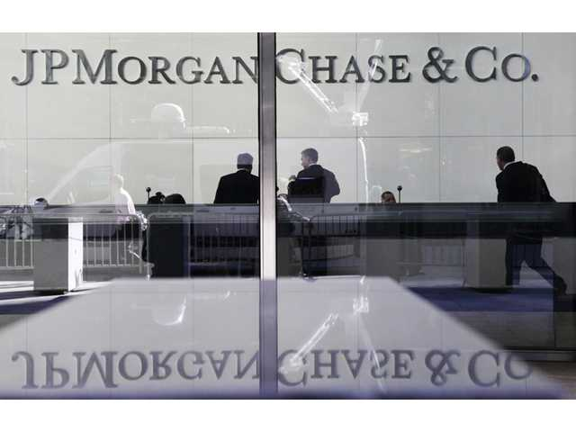 JPMorgan to trim 4,000 jobs, many in consumer bank