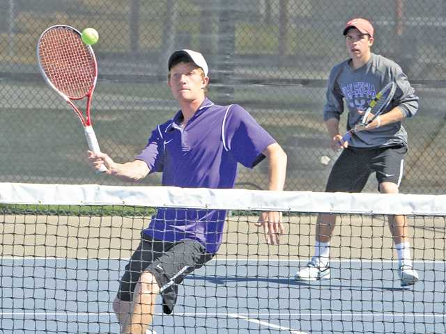 Valencia tennis doubles team wins at Spring Smash