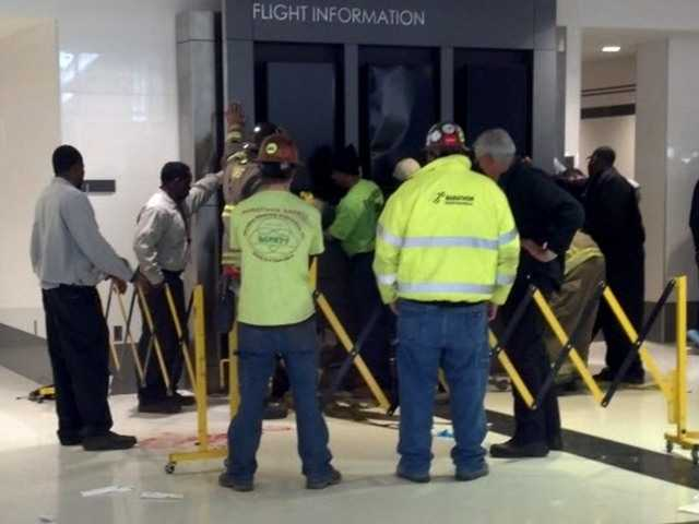 Ala. airport sign falls on family, killing boy