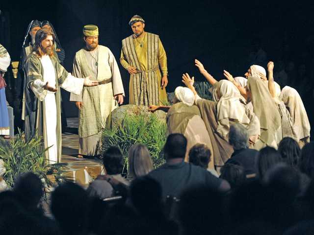 Santa Clarita: Passion play tells Easter story