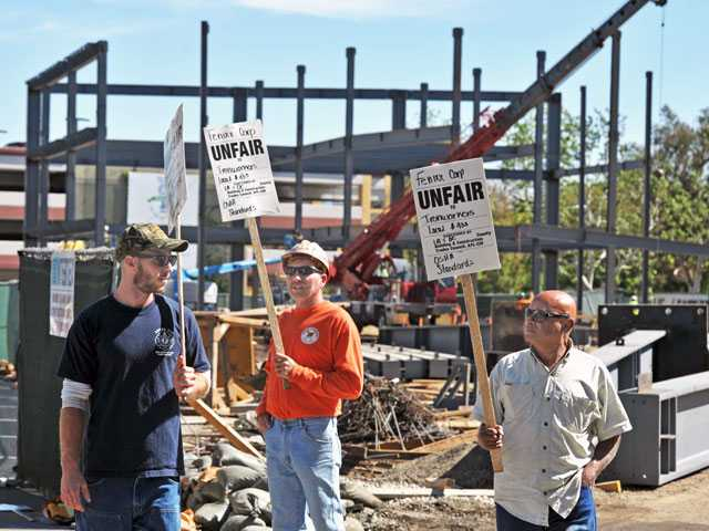 Valencia: Union members protest project's hiring practices