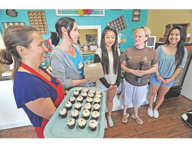 Students' recipe takes the (cup)cake
