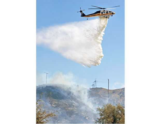 UPDATE: Saugus Brush fire held to 4 acres despite high winds