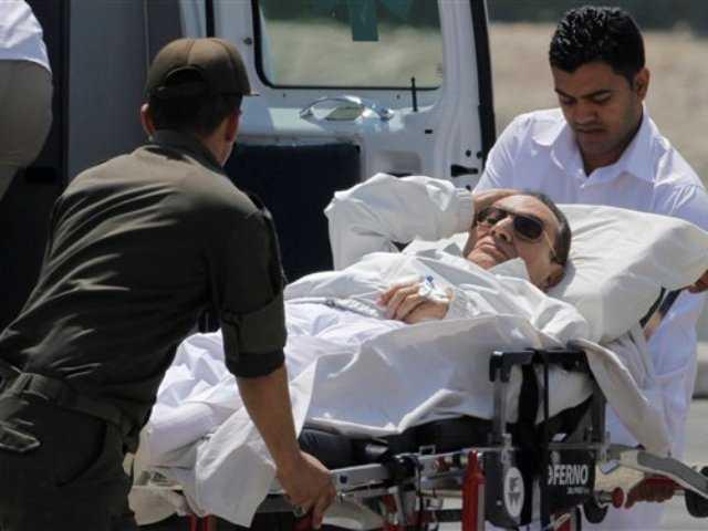 Mubarak appears in Egyptian court for retrial