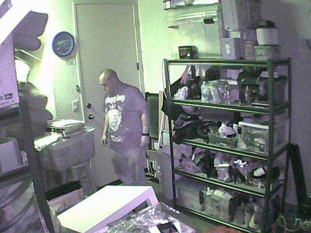 SCV detectives want public's help finding a burglar