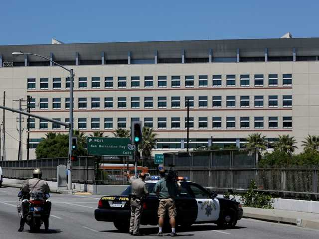 No bomb found after threats to 2 Calif. campuses