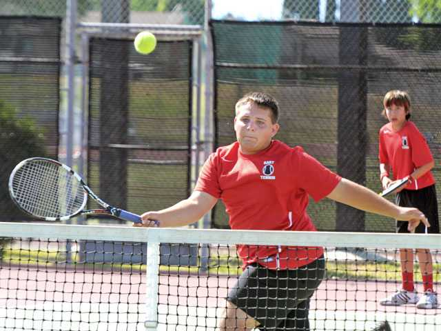 Hart boys tennis falls to San Marino in rout