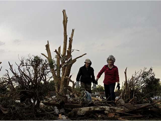 Photo gallery from Okla. tornado