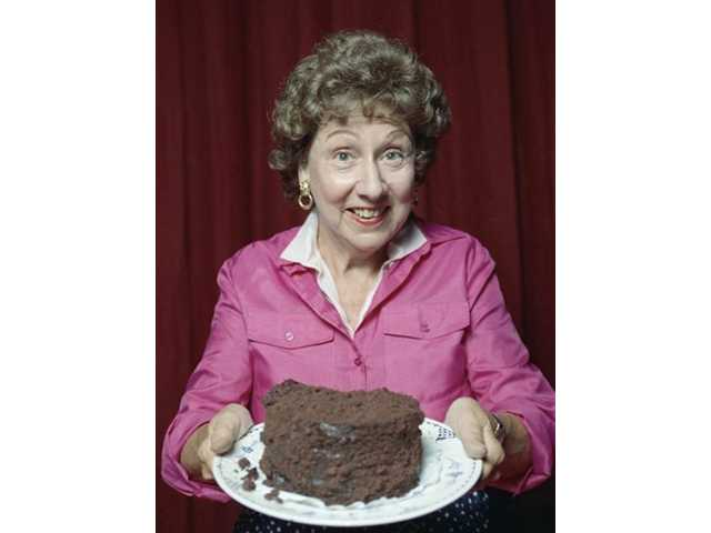 Jean Stapleton, TV's Edith Bunker, dies at 90