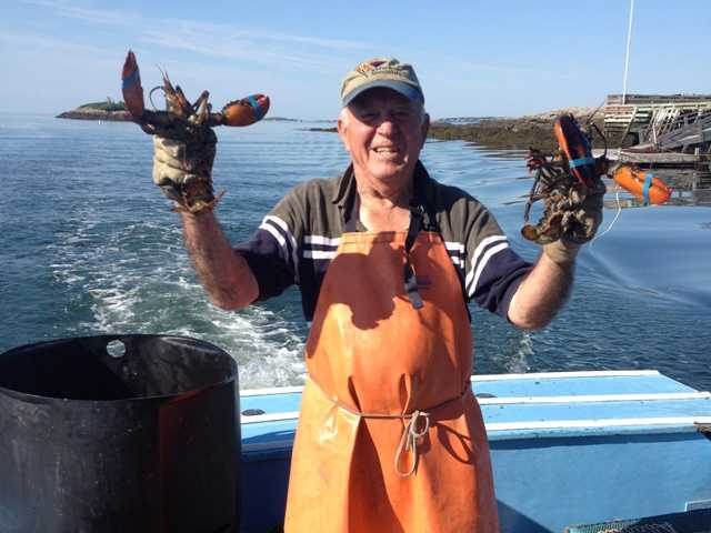 90-year-old lobsterman survives sinking off Maine