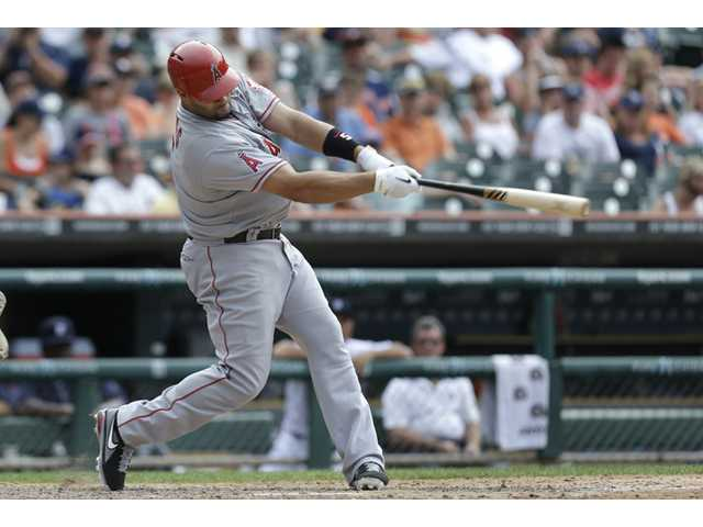 Pujols lifts Angels over Tigers 3-1 in 10 innings