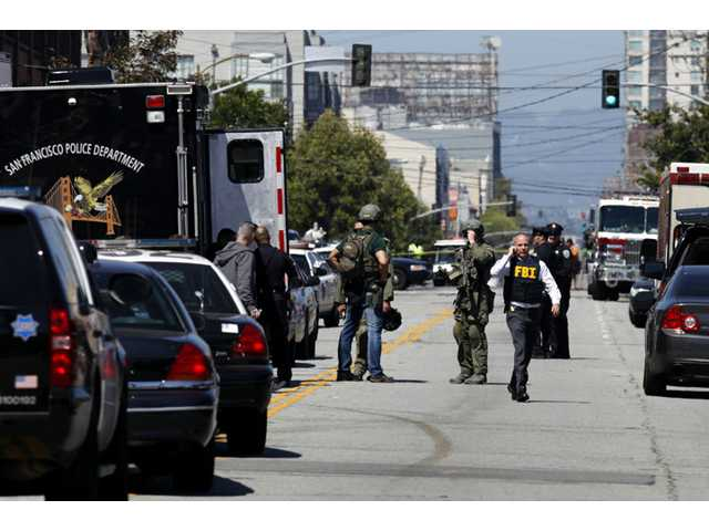 2 killed, suspect arrested at SF shopping center